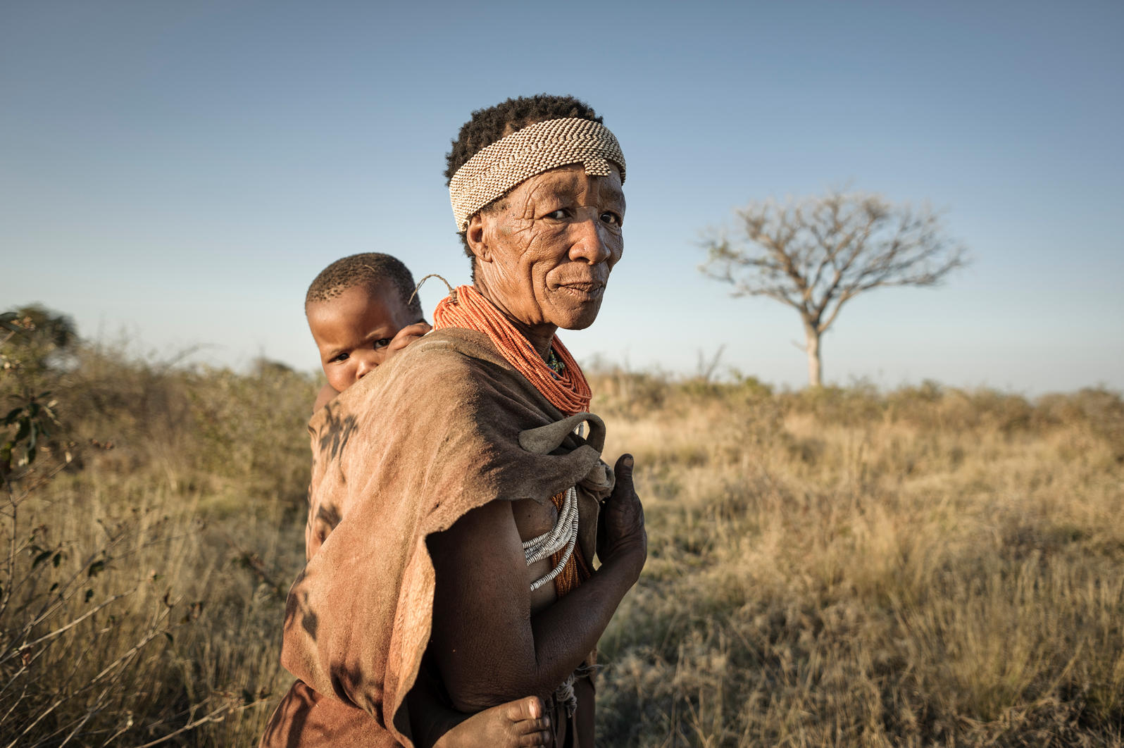 hunter gatherer Hunter-gatherer is an anthropological term used to describe human beings who obtain their food from the bounty of nature, hunting animals and gathering wild plants.